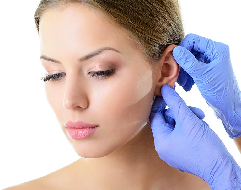 Nouvelle technique pour recoller les oreilles par le Dr Marchac à Paris
